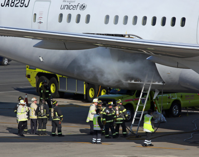 Boeing 787 Jet on Fire