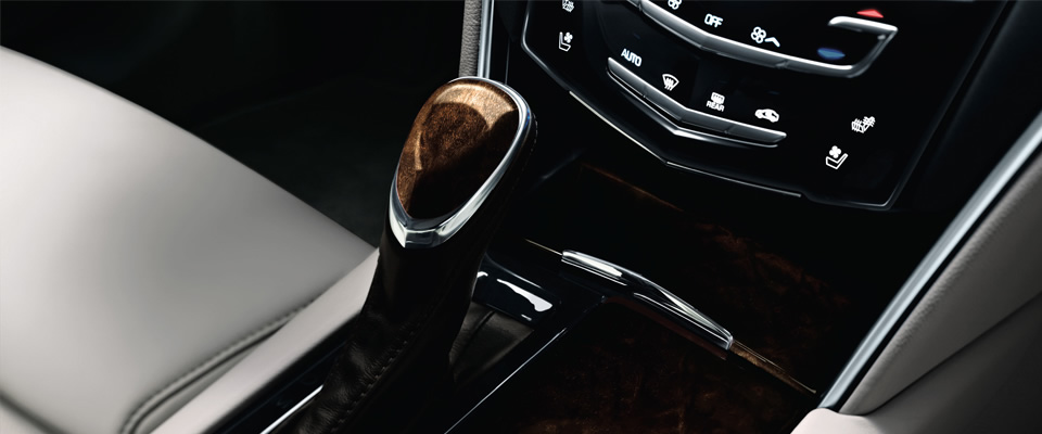 2013-xts-sedan-interior-wood-mm-gal-1-960x400-02