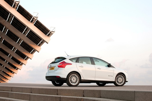 2013_ford_focus-electric