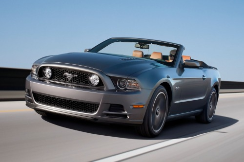 2013_ford_mustang_convertible_gt-premium_fq_oem_2_500