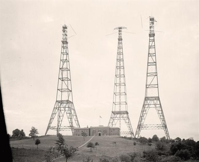 Towers-Radio