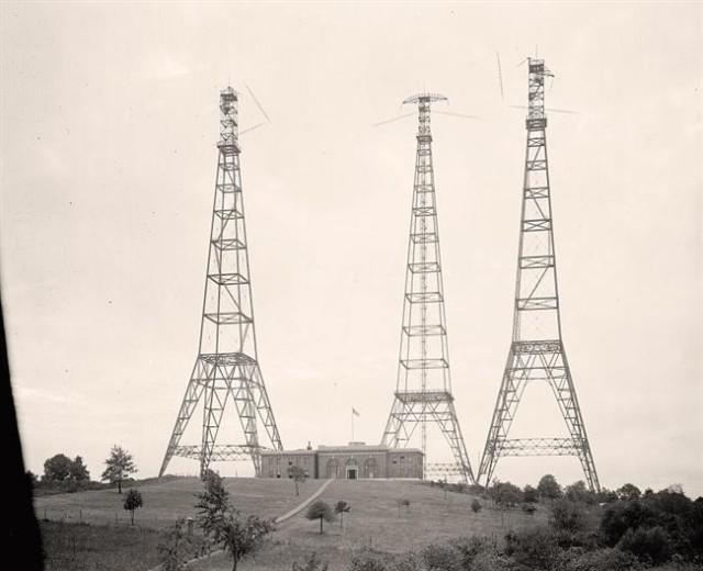 Towers-Radio