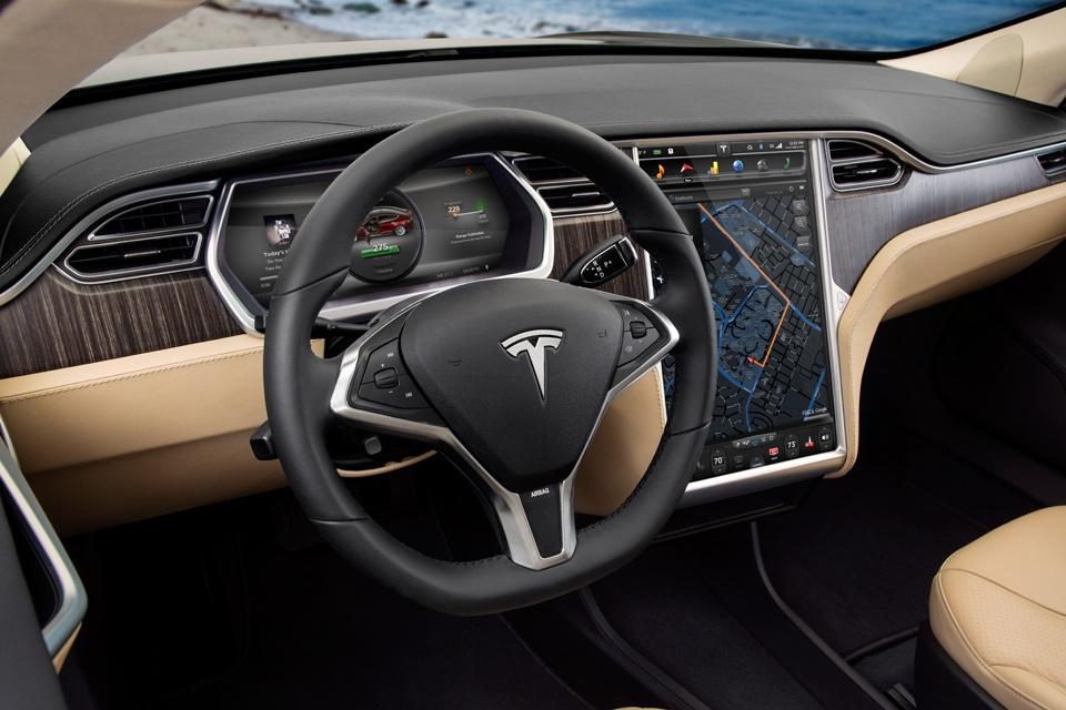 model-s-interior1_960x640