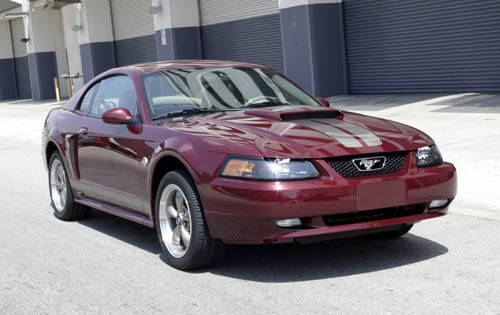 2004_ford_mustang_coupe_gt-premium_fq_oem_1_500