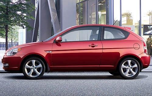 2011_hyundai_accent_2dr-hatchback_gs_s_oem_1_500