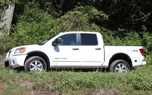 2012_nissan_titan_crew-cab-pickup_pro-4x_s_oem_1_500