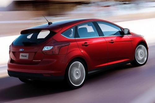 2013_ford_focus_4dr-hatchback_titanium_rq_oem_1_500