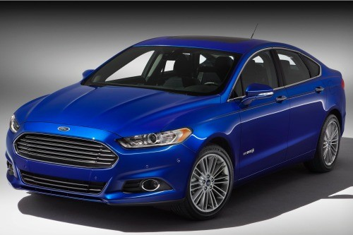 2014_ford_fusion-hybrid_sedan_se_fq_oem_1_500