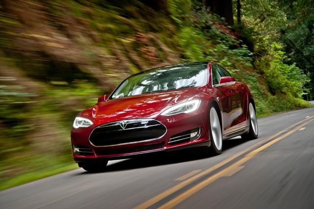 Tesla model-s-signature-red-motion