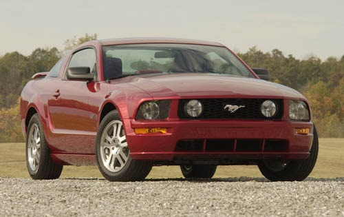 2007_ford_mustang_coupe_gt-premium_fq_oem_2_500