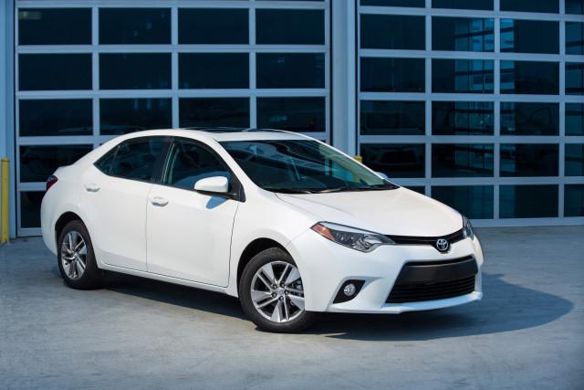 2014_Toyota_Corolla_LE_ECO_002