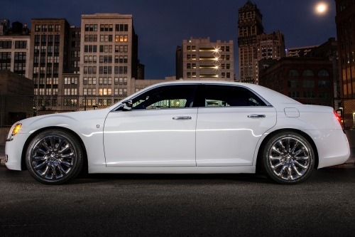 2014_chrysler_300_sedan_s_s_oem_1_500