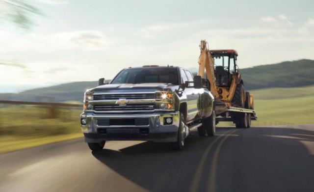 2015-Chevrolet-Silverado-3500HD-014-medium