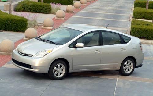 2004_toyota_prius_4dr-hatchback_base_fq_oem_1_500