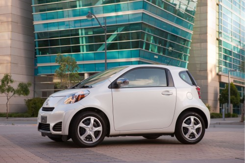 2013_scion_iq_f34_fe_702132_500