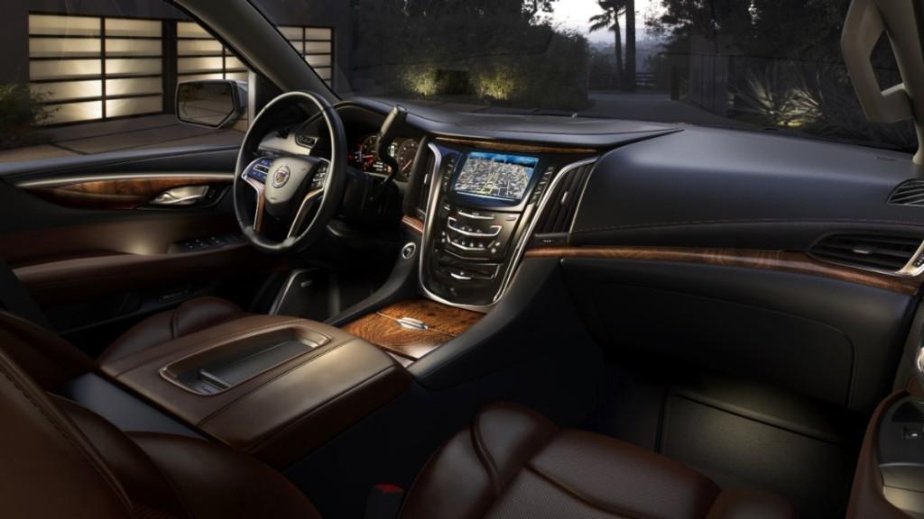 2015-Cadillac-Escalade-003-medium