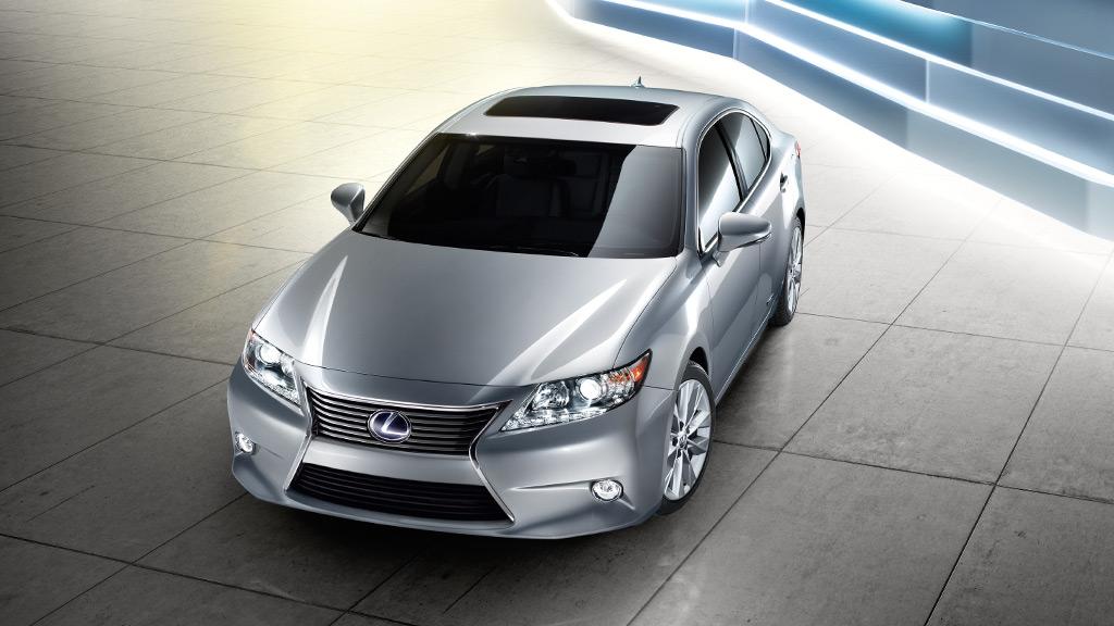 Lexus_ES300h_EXT_HE3-108_1024x576