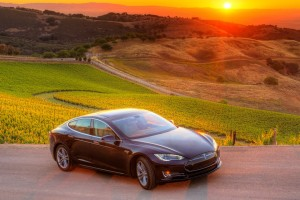 3 Auto Stocks Going Places: Daimler Pushes Tesla Cooperation, Ford's Big Sales Rise, GM's Stock Buyback