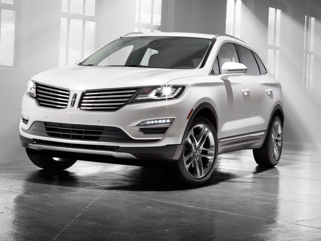 2015 Lincoln MKC Hero Shot