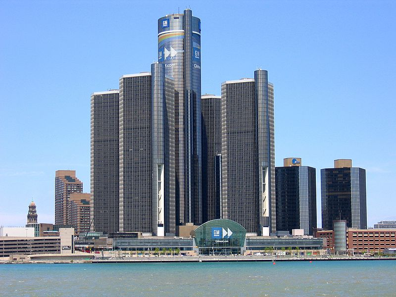 800px-Headquarters_of_GM_in_Detroit