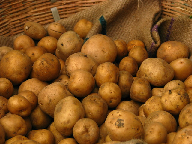 Source: http://commons.wikimedia.org/wiki/File:India_-_Koyambedu_Market_-_Potatoes_01_(3987050638).jpg
