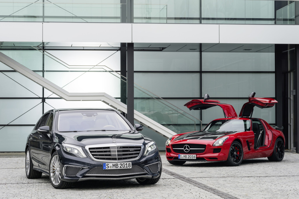Double world premiere for Mercedes-AMG