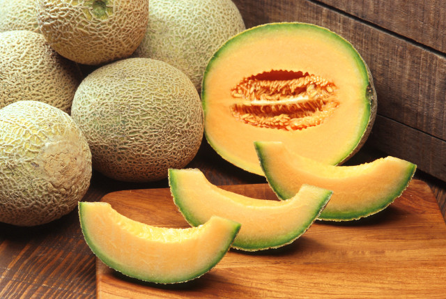 Source: http://commons.wikimedia.org/wiki/File:Cantaloupes.jpg