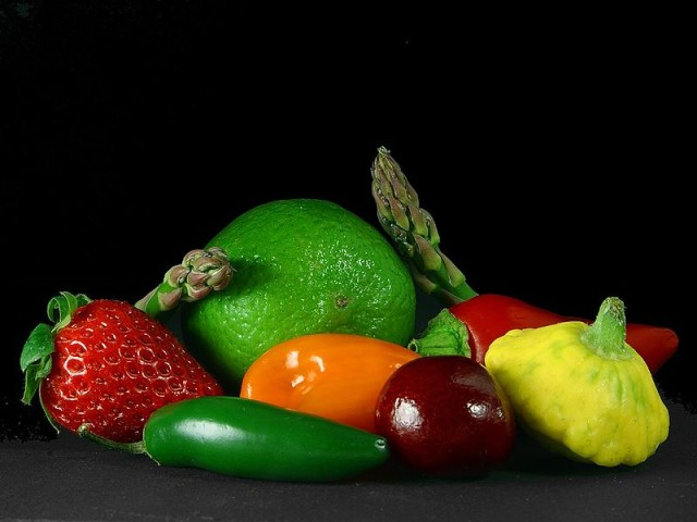 Source: http://commons.wikimedia.org/wiki/File:Fruits_and_vegetables.jpg