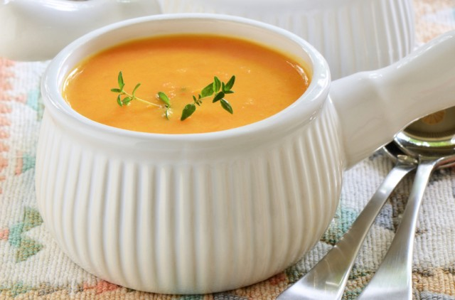 sweet potato and carrot soup with thyme