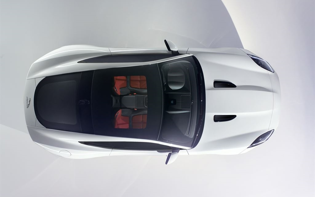 jag_f-type_coupé_studio_white_061113_01_LowRes