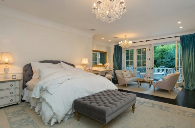 Source: http://www.realtor.com/news/jessica-simpson-sells-in-beverly-hills/