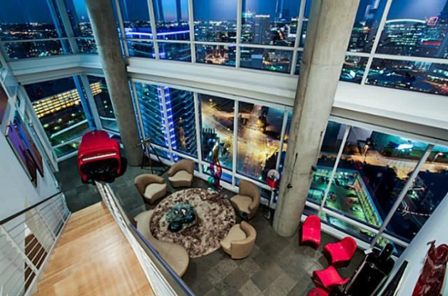 Source: http://www.realtor.com/news/mavs-founding-owner-sells-swank-dallas-penthouse/