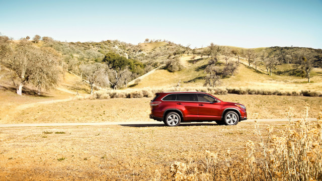 2014 Toyota Highlander Side