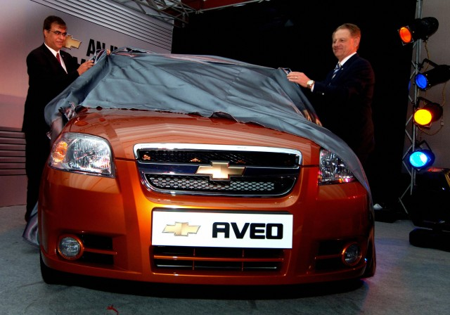 General Motors (GM) Staff Jim Queen and
