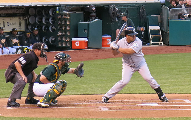 640px-Kendrys_Morales_batting