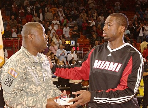 Dwayne_Wade_HOMEStrong_Program_Pregame_March_2,_2009