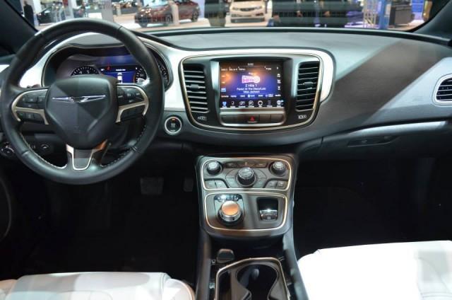 Chrysler200_Interior