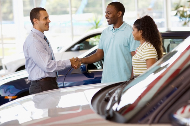 two people buying car