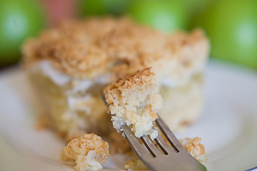 coffee cake with apples