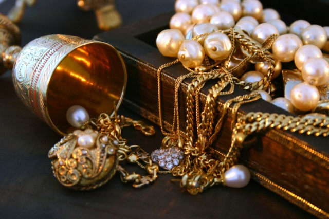 Gold and pearls in a jewelry box