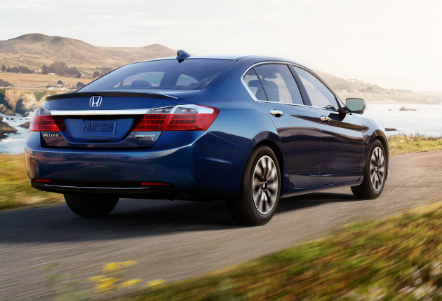 2014-honda-accord-hybrid-sedan-style