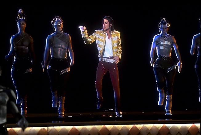 source: http://www.billboard.com/photos/6091964/billboard-music-awards-2014-show-performance-photos?i=500427