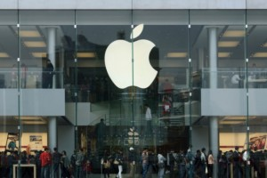 Analyst Boosts Apple Price Target Over 'iServices' Advantage