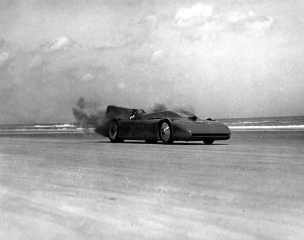 Credit: R H LeSesene - http://commons.wikimedia.org/wiki/File:Bluebird_land_speed_record_car_1935_rc10413.jpg