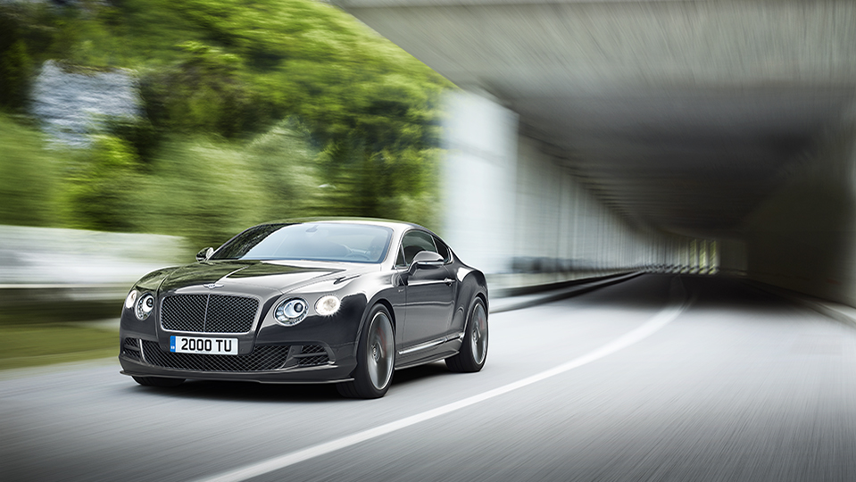 Continental-GT-Speed-in-Anthracite-tunnel