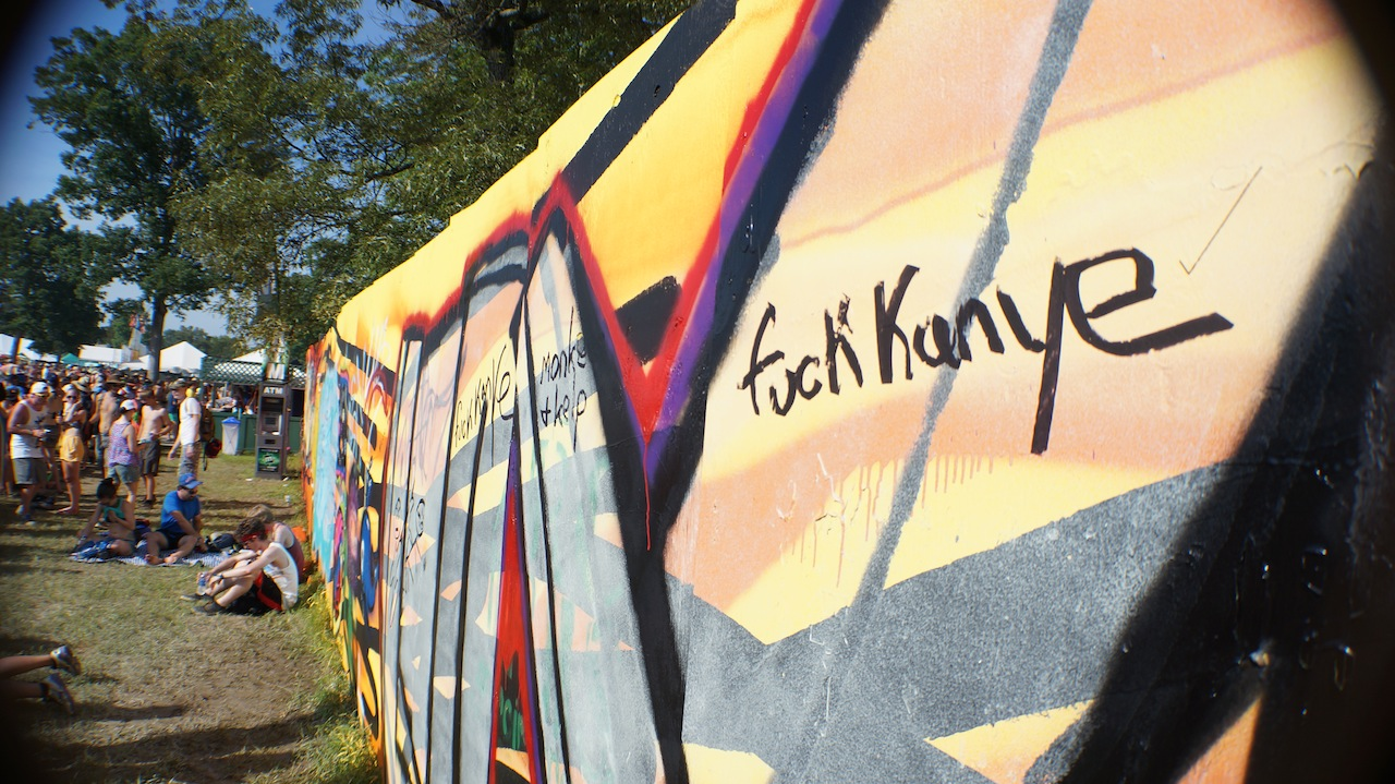 Kanye West, Bonnaroo graffiti