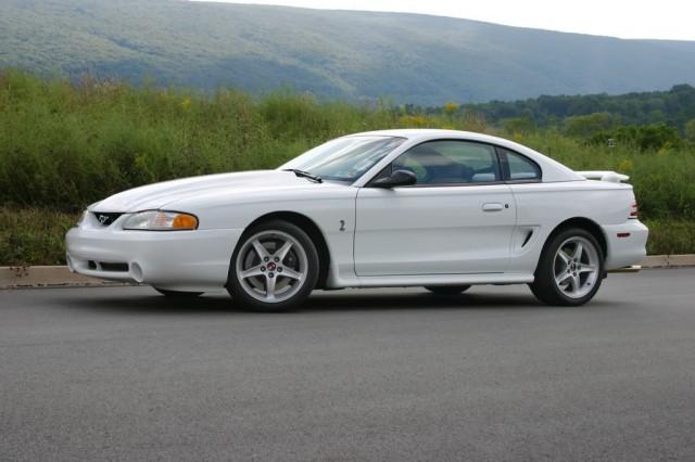 Mustang SVT Cobra R