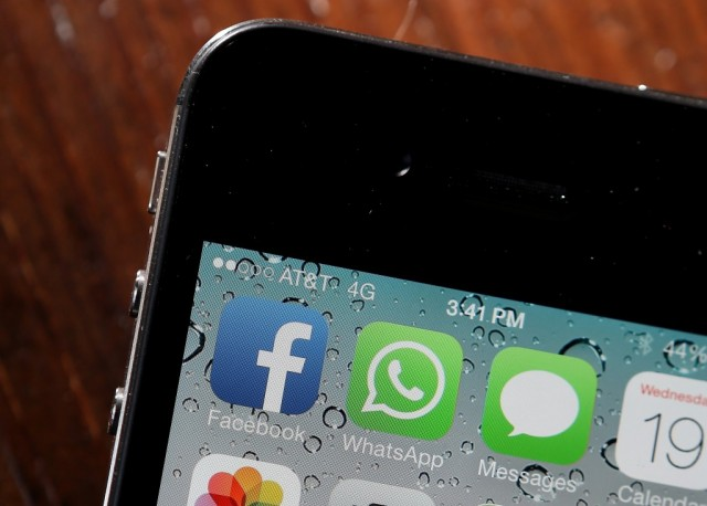 Facebook acquires WhatsApp