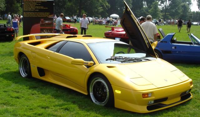 http://wallstcheatsheet.com/wp-content/uploads/2014/07/Lamborghini_Diablo_SV_coupe-640x376.jpg