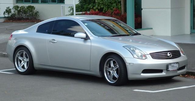 Nissan_V35_Skyline_350GT